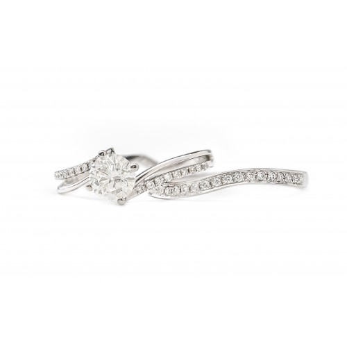 Interlocking Love Engagement Ring (750 White Gold)