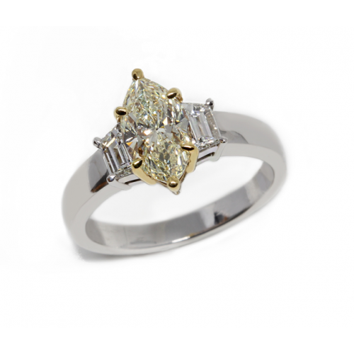 Marquise Cut Diamond Ring (750 White & Yellow Gold)